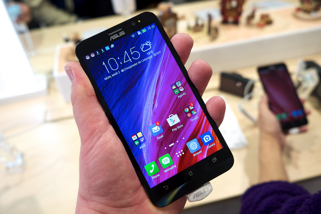 Vodafone join hands with Asus, offers 120 GB free data